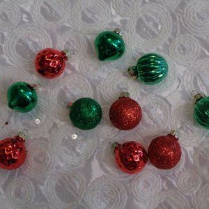 10 RED GREEN GLASS CHRISTMAS MINI ORNAMENTS